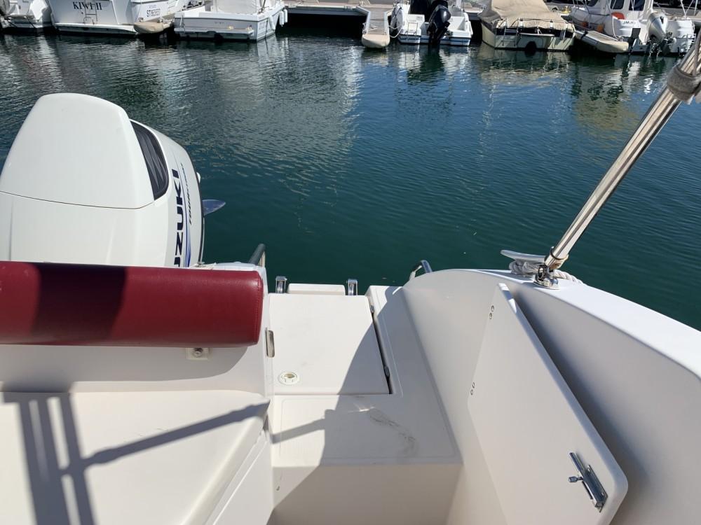Boat rental Ocqueteau Abaco 22 Sun Deck in Le Grau-du-Roi on Samboat