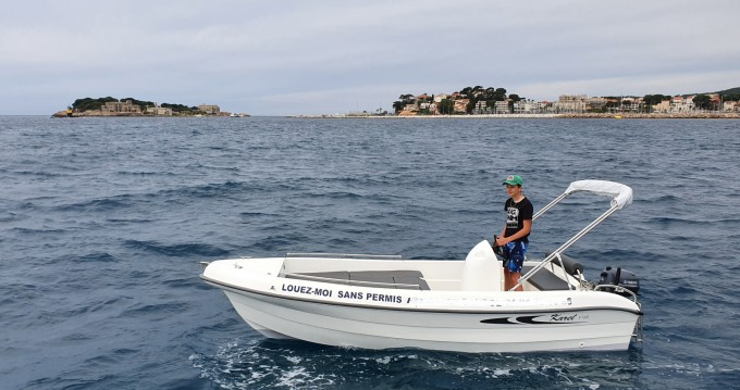 Motorboat for rent Bandol at the best price