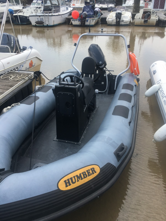 RIB for rent Meschers-sur-Gironde at the best price