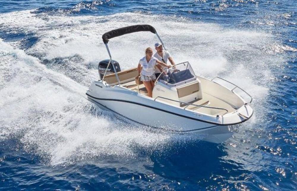 Boat rental Quicksilver Activ 505 Open in Gijón on Samboat