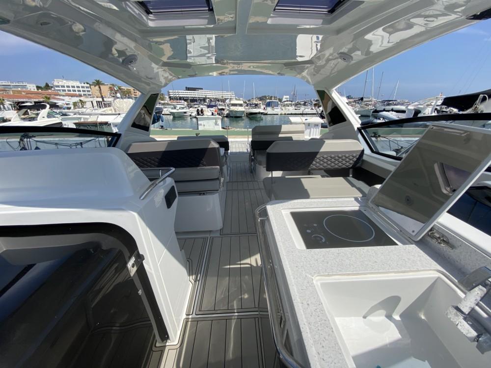 Boat rental AQUILA Aquila 32 in Ibiza on Samboat