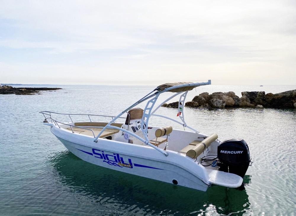 Rental Motorboat in Avola - Aquamar Jamaica