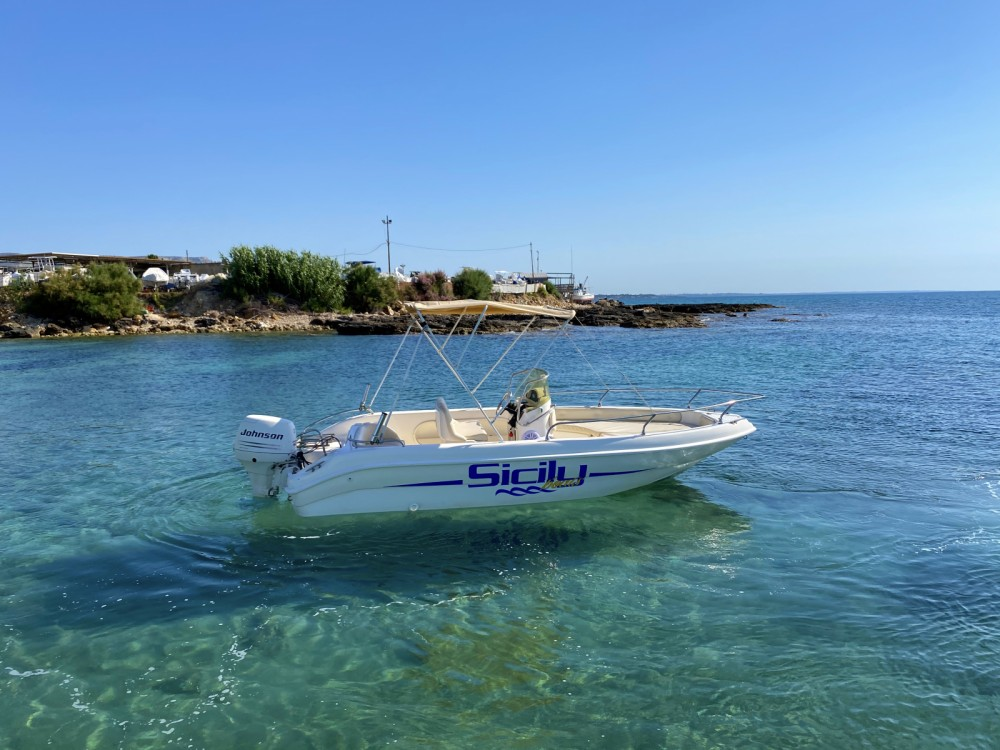 Boat rental Avola cheap Jaguar 520