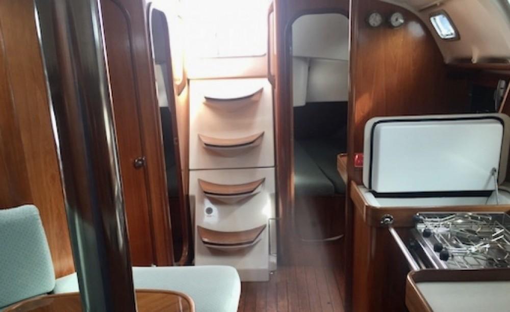 Rental yacht La Roche-Bernard - Bénéteau Oceanis 351 Clipper on SamBoat