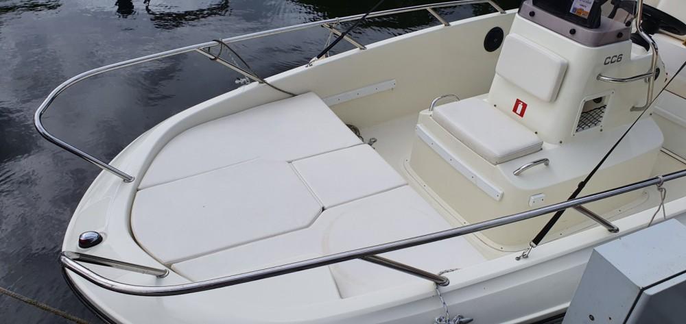 Rental Motorboat in Conflans-Sainte-Honorine - Bayliner CC6