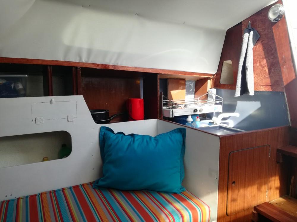 Boat rental Jeanneau Sangria in Sète on Samboat