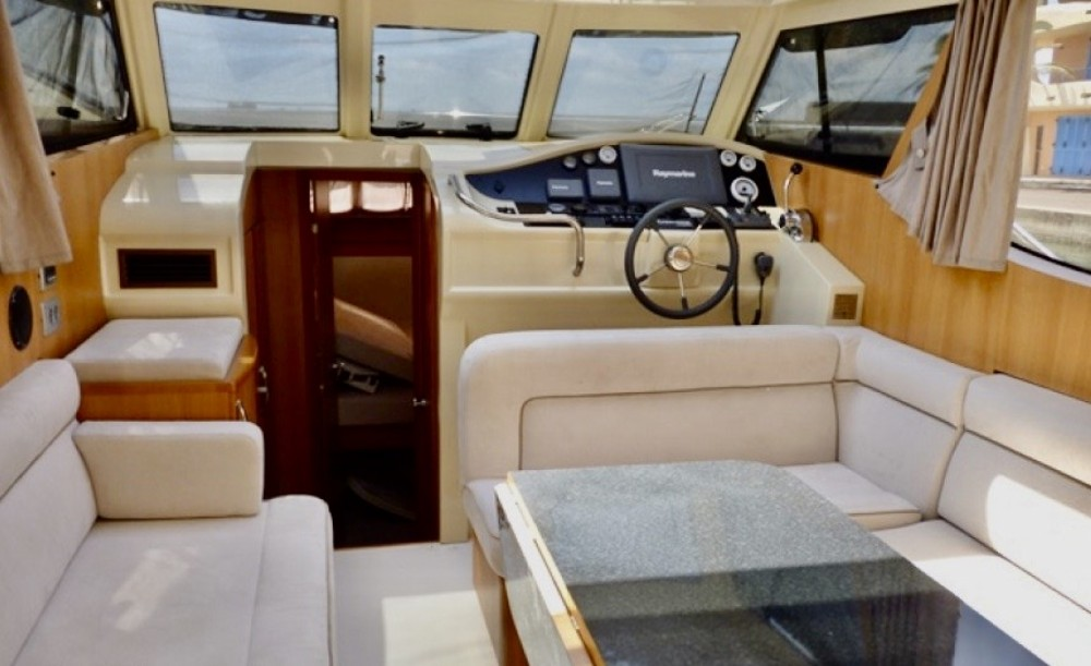 Canal boat for rent Palma at the best price