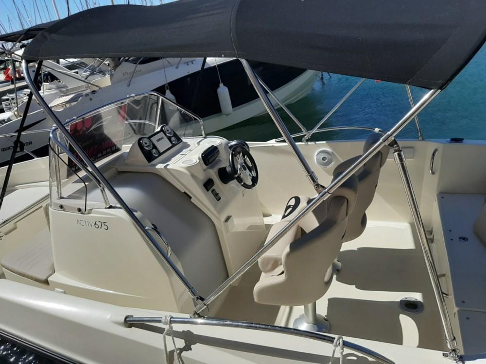 Boat rental Quicksilver Activ 675 Open in Fréjus on Samboat