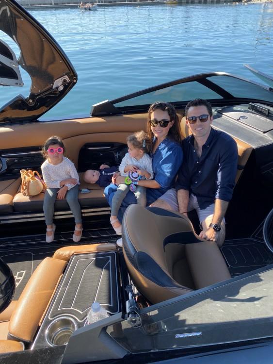 Rental Motorboat in San Diego - Centurion Ri237