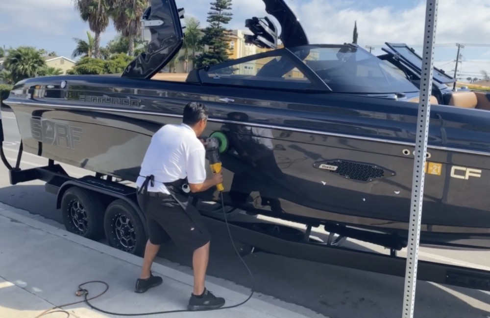 Motorboat for rent San Diego at the best price