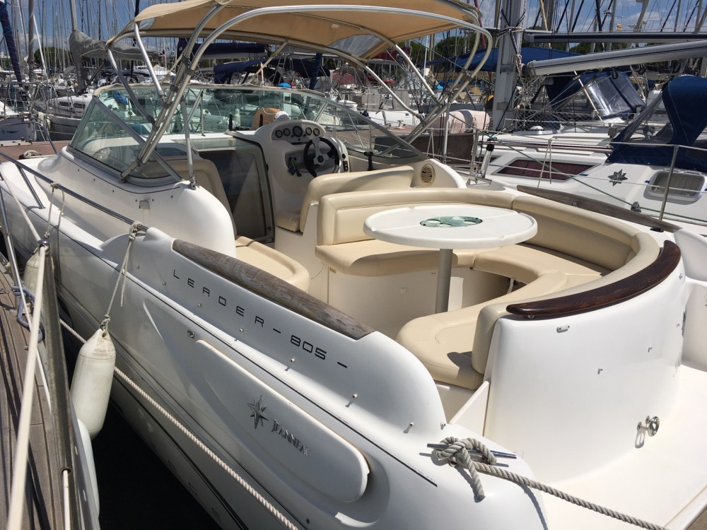 Hire Motorboat with or without skipper Jeanneau Le Grau-du-Roi