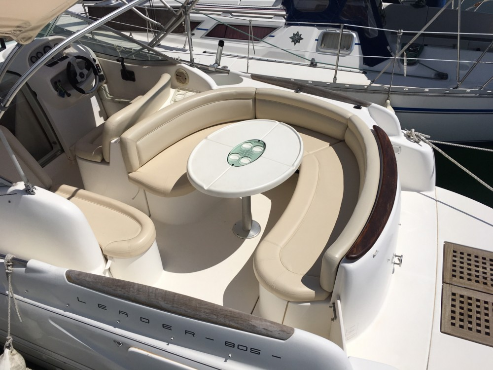 Motorboat for rent Le Grau-du-Roi at the best price