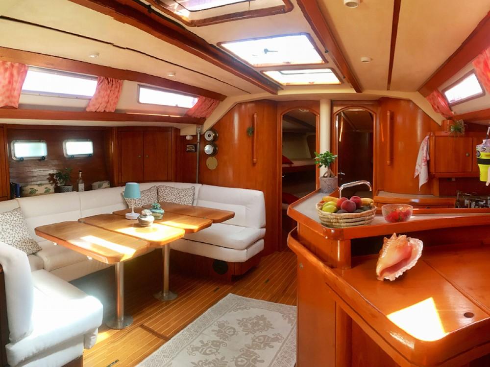 Boat rental Jeanneau Sun Odyssey 51 in Tropea on Samboat
