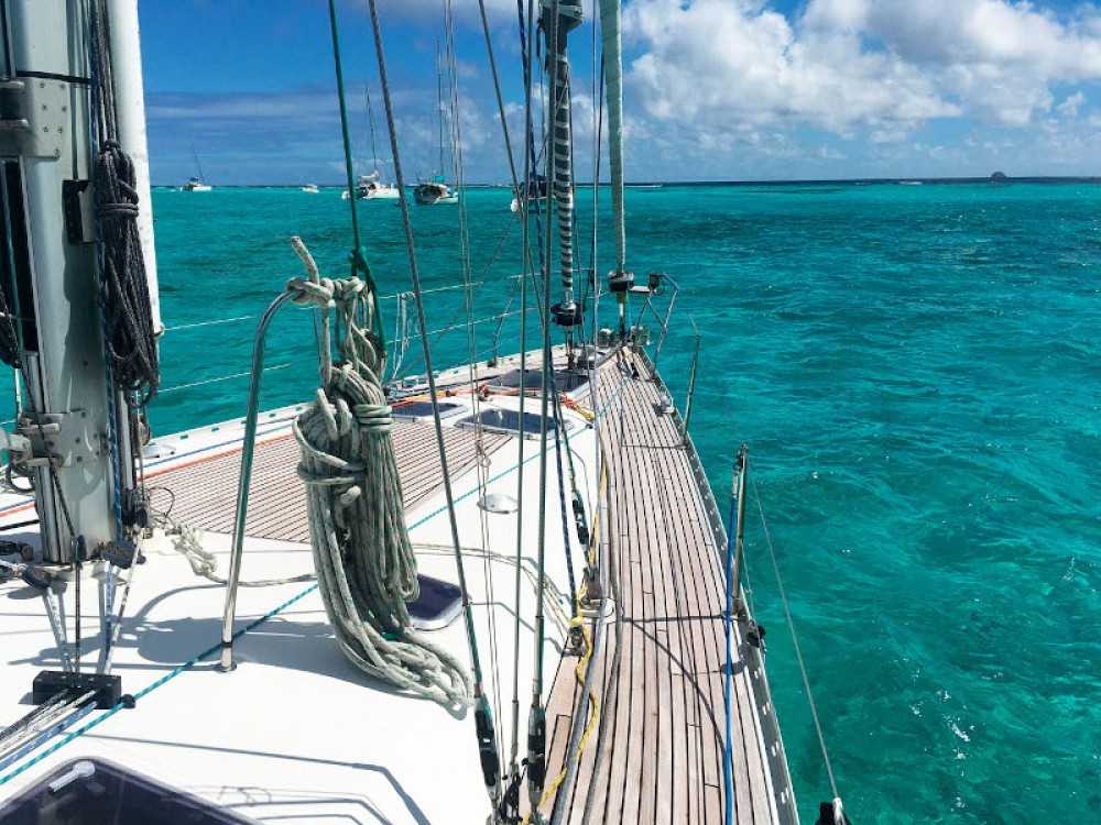 Hire Sailboat with or without skipper Jeanneau Alzachèna/Arzachena