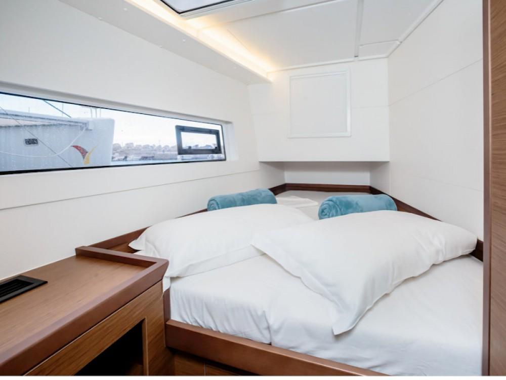 Rental Catamaran in Capo d'Orlando - Lagoon Lagoon 40