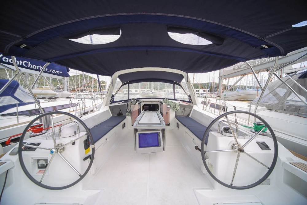 Bénéteau Oceanis 45 between personal and professional Olbia