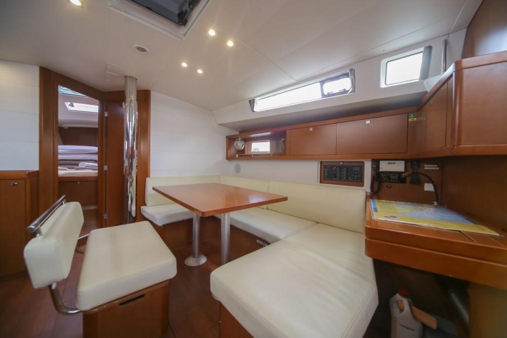Rental Sailboat in Olbia - Bénéteau Oceanis 45