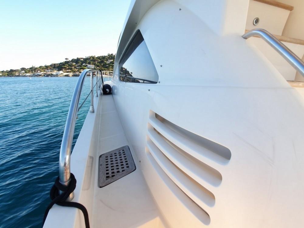 Boat rental Saint-Tropez cheap MUSE 54