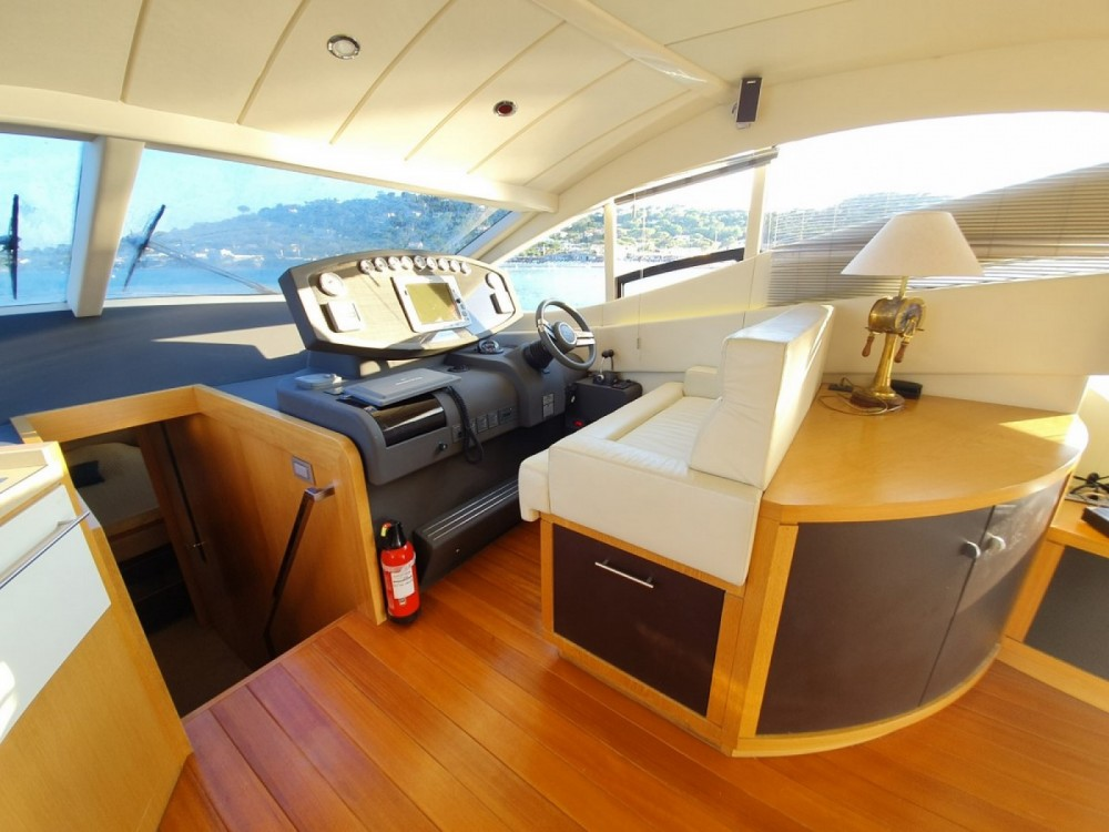 Rodman MUSE 54 between personal and professional Saint-Tropez