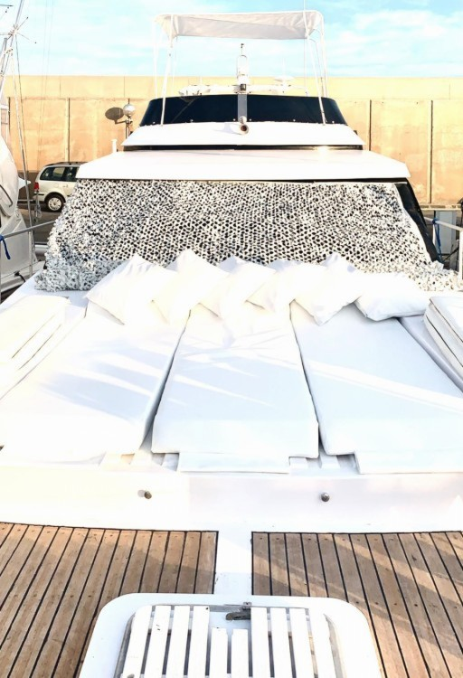 Rental Motorboat in Torredembarra - Astondoa 49 GLX