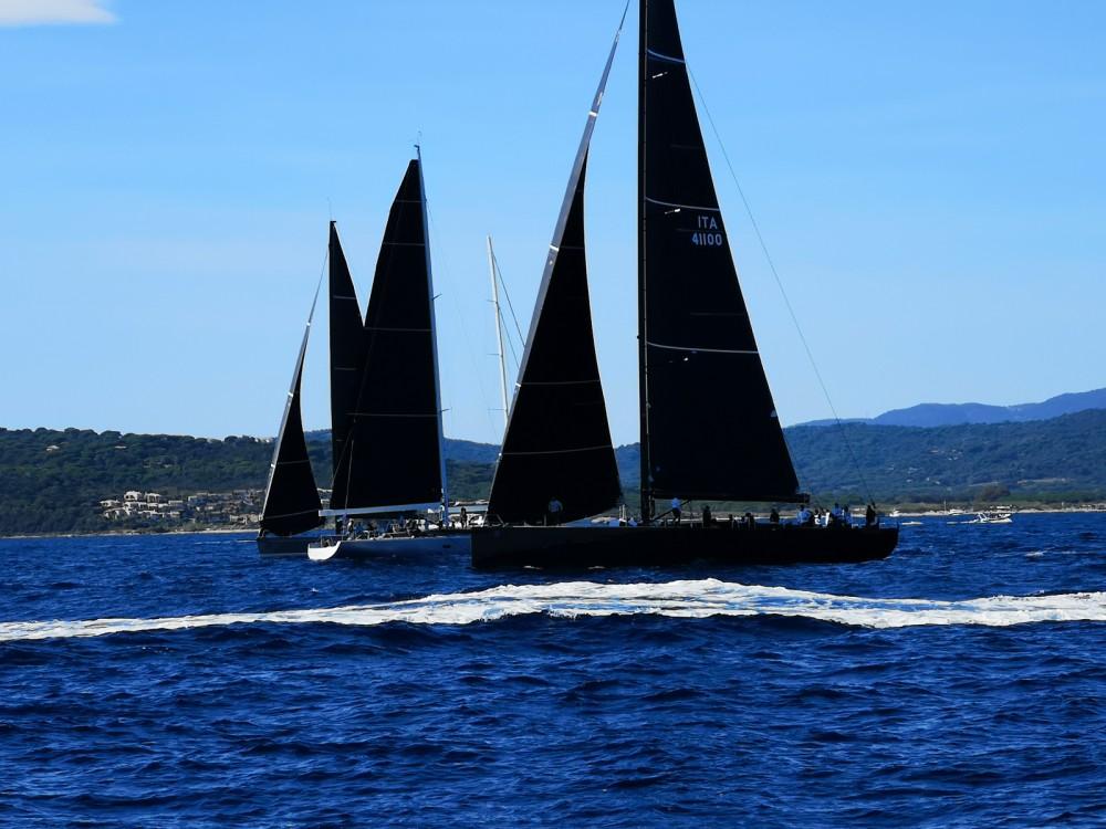 Rental Sailboat in Saint-Tropez - Bénéteau Oceanis 48