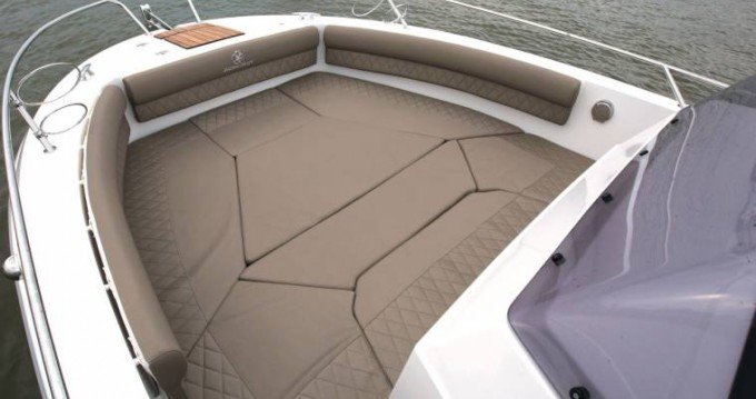 Hire Motorboat with or without skipper Pacific Craft Sainte-Maxime
