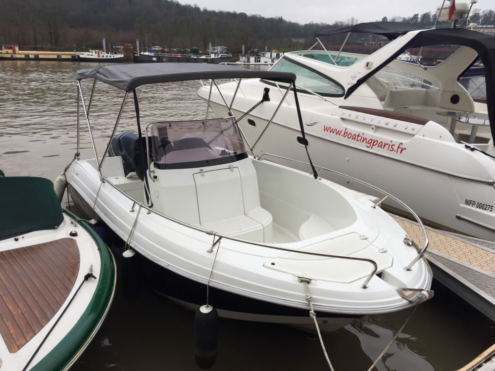 Boat rental Pacific Craft Pacific Craft 545 Open in Boulogne-Billancourt on Samboat