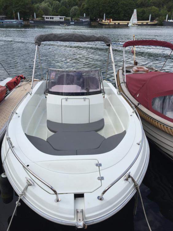 Boat rental Boulogne-Billancourt cheap Pacific Craft 545 Open