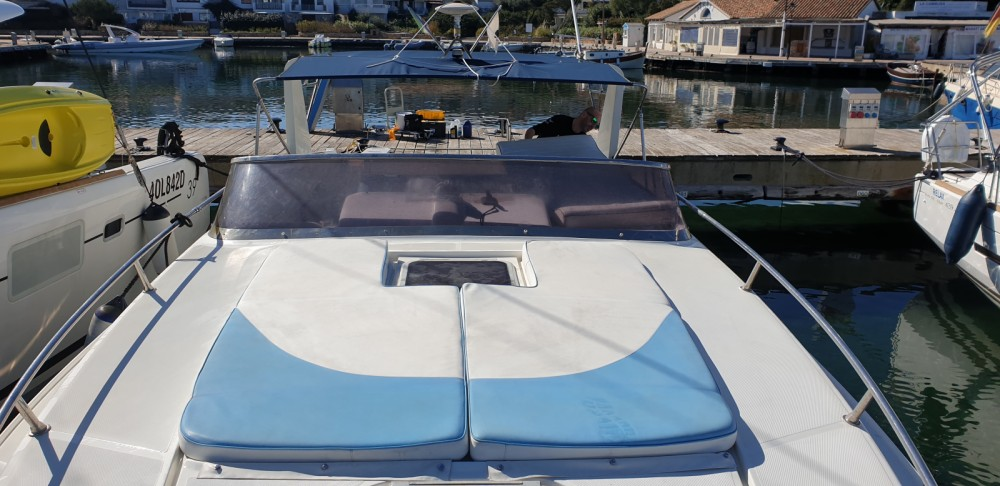 Motorboat for rent Porto Rotondo at the best price