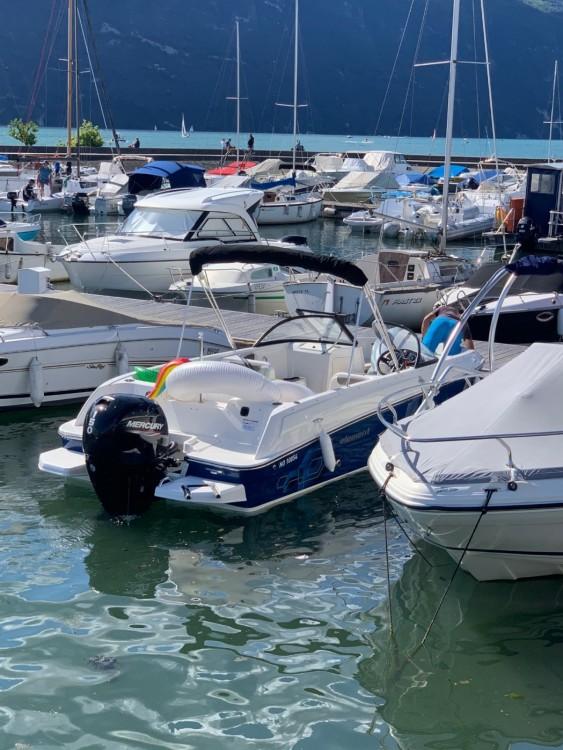 Rental Motorboat in Aix-les-Bains - Bayliner Element E7