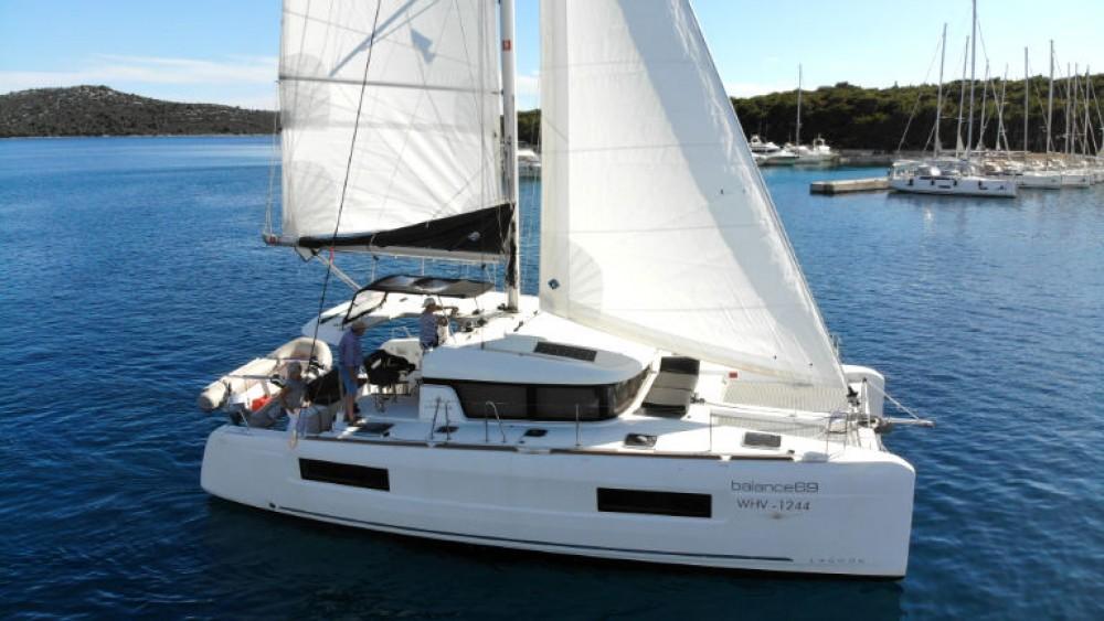Rental yacht Rogoznica - Lagoon Lagoon 40 (4 cab) on SamBoat