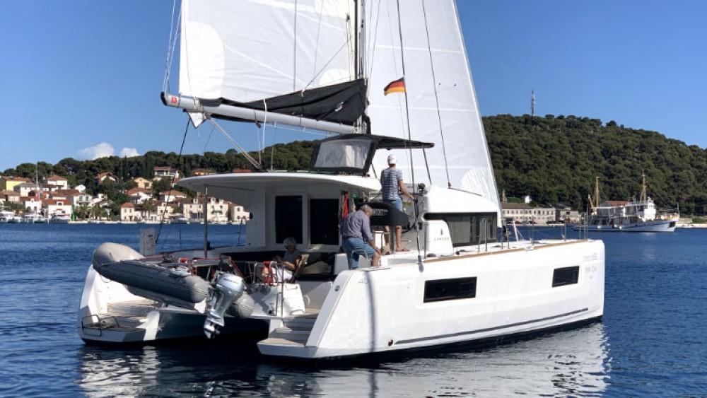 Rental Catamaran in Rogoznica - Lagoon Lagoon 40 (4 cab)