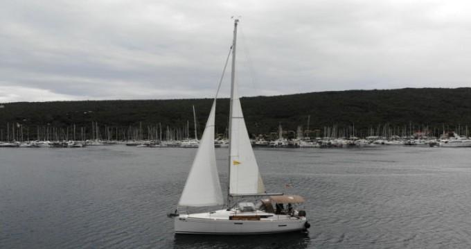 Rental yacht Punat - Jeanneau Sun Odyssey 389 on SamBoat