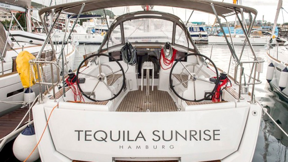 Rental yacht Grad Pula - Jeanneau Sun Odyssey 389 on SamBoat