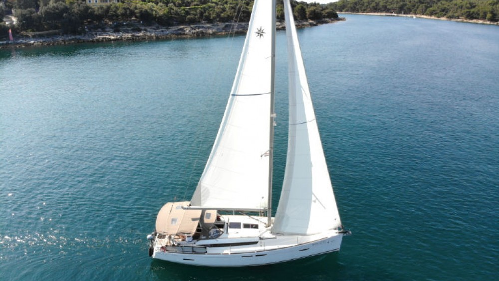 Jeanneau Sun Odyssey 419 between personal and professional Grad Pula