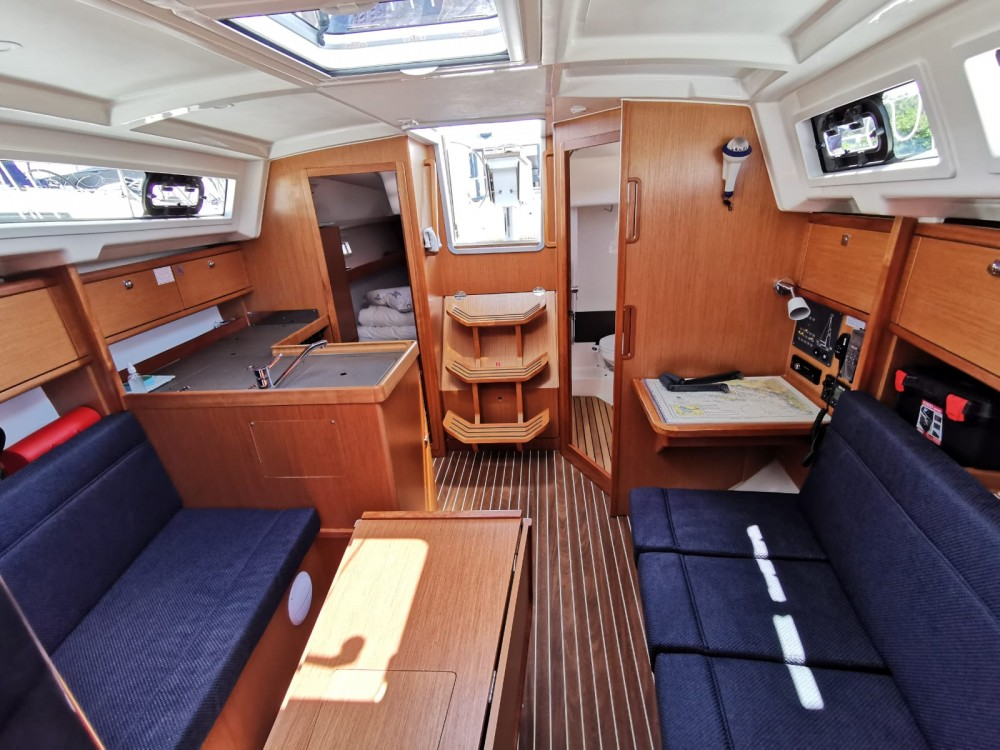 Rental yacht Općina Sukošan - Bavaria Cruiser 34 on SamBoat