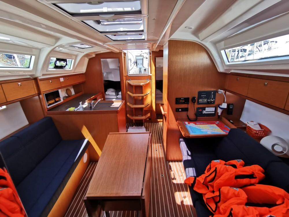 Boat rental Bavaria Cruiser 37 in Općina Sukošan on Samboat