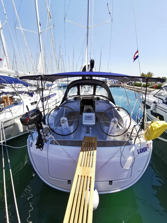 Boat rental Bavaria Bavaria Cruiser 37 - 3 cab. in Općina Sukošan on Samboat
