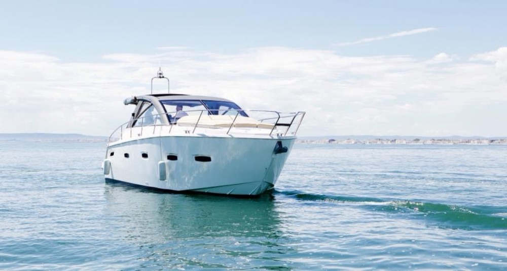 Rental yacht Mauguio - Sealine Sealine SC 35 on SamBoat