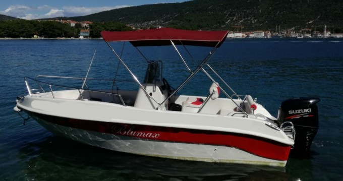 Rental Motorboat Blumax with a permit