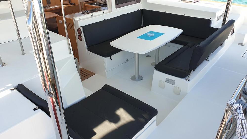 Rent a Lagoon Lagoon 400 - 4 + 2 cab. Trogir