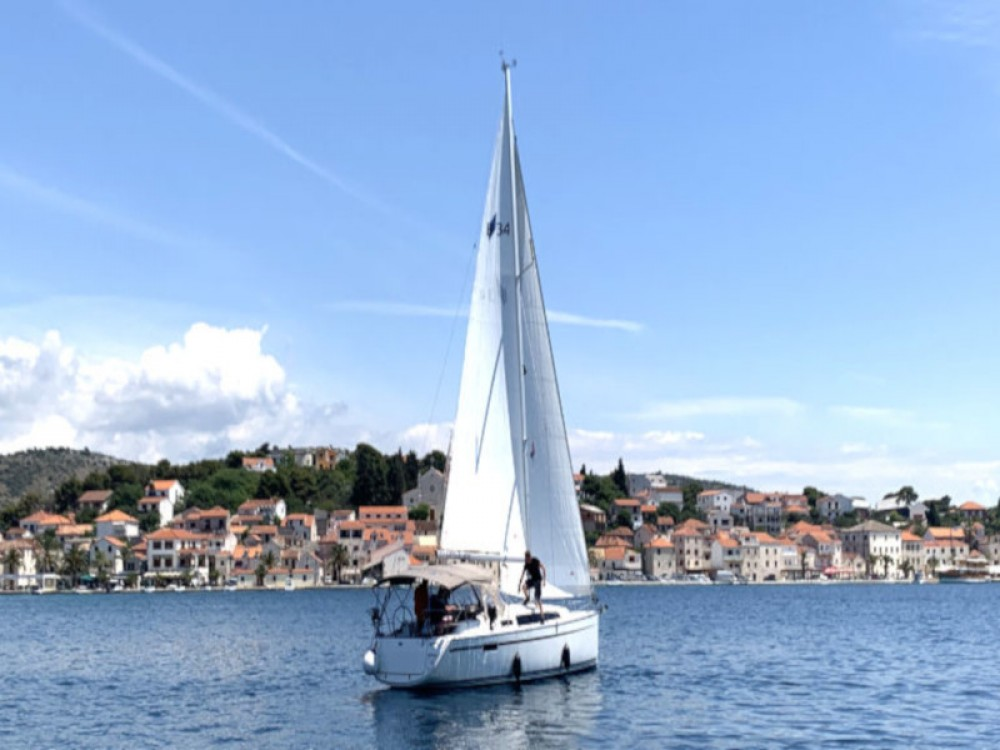 Rental yacht Rogoznica - Bavaria Bavaria Cruiser 34 on SamBoat