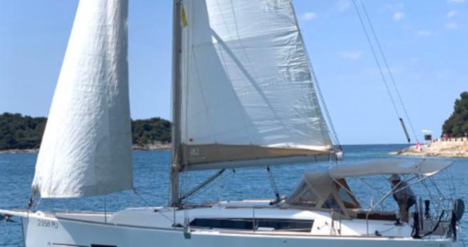 Rental Sailboat in Veruda - Dufour Dufour 382 Grand Large - 3 cab