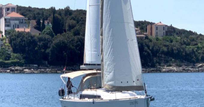 Boat rental Dufour Dufour 382 Grand Large - 2 cab in Pula on Samboat