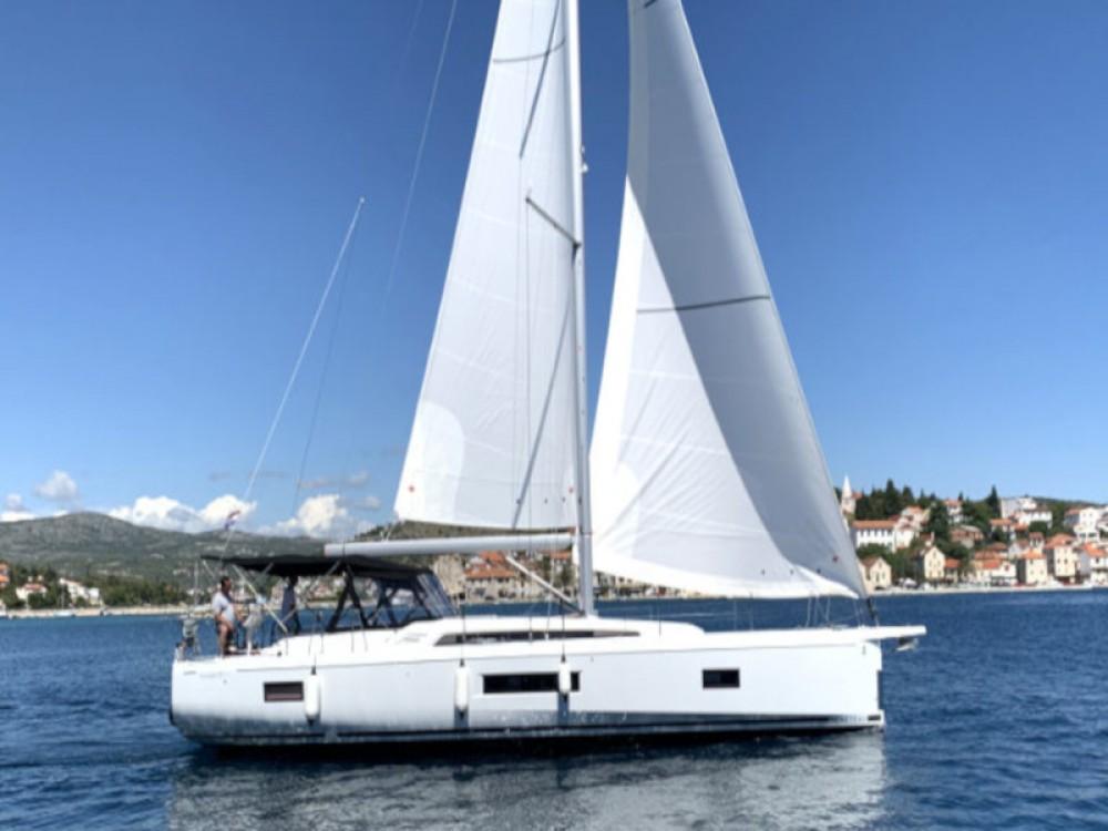 Rental Sailboat in Rogoznica - Bénéteau Oceanis 51.1