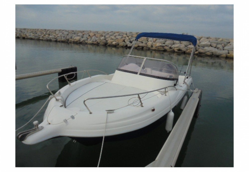 Pacific Craft Pacific Craft 650 WA between personal and professional Sainte-Rose