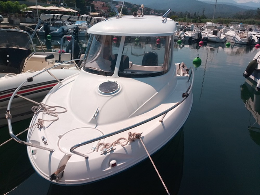 Rental Motorboat in Sari-Solenzara - Quicksilver Quicksilver 540 Pilothouse