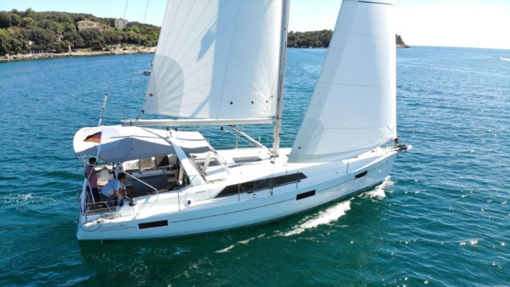 Boat rental Grad Pula cheap Oceanis 411