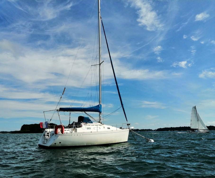 Rental yacht Larmor-Baden - Bénéteau first 265 on SamBoat