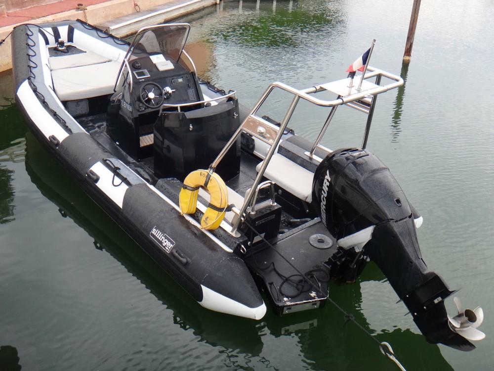 Boat rental Sillinger Sillinger 765 in Grimaud on Samboat